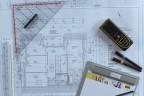 Pläne lesen, verstehen und selbst fertigen sind Grundvoraussetzung für den Meister im Zimmererhandwerk.