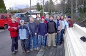 Kinder der freien Waldorfschule Freiburg St. Georgen sorgen für fröhliche Abwechslung während der energetischen Sanierung des Flachdachs