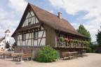 das sanierte Fachwerkhaus im Ortsteil Ottoschwanden heute