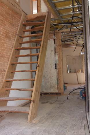 Steile Treppe - das Dachgeschoss ist nicht nutzbar