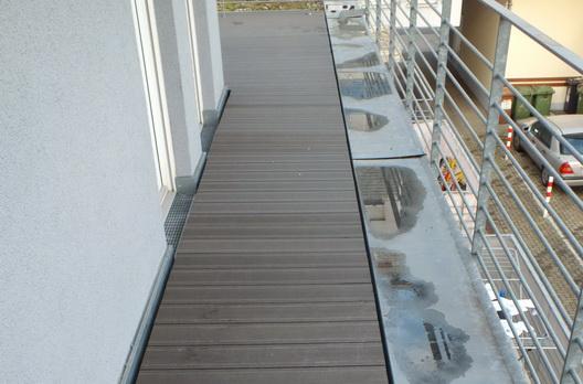 Zugang zur WPC-Terrasse in Freiburg Zähringen